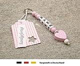 kleinerStorch NAMENSANHÄNGER - Anhänger mit Namen - Baby Kinder Schlüsselanhänger für Wickeltasche, Kindergartentasche, Schultasche oder Rucksack mit Schlüsselring - Mädchen Motiv Herz in rosa