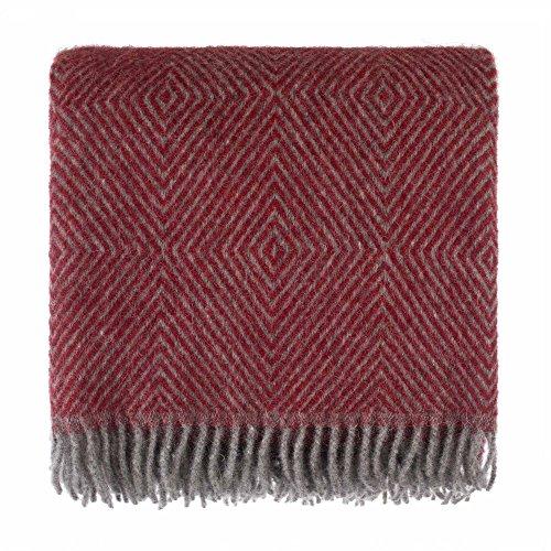 URBANARA 140x220 cm Wolldecke 'Gotland' Rot/Grau — 100% Reine skandinavische Wolle — Ideal als Überwurf, Plaid oder Kuscheldecke für Sofa und Bett — Warme Decke aus Schurwolle mit Fransen