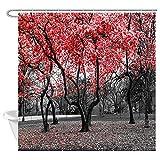 NYMB Mystic Garden Duschvorhang, Gothic, rote Blumen, Bäume, Blüten in Schwarz & Weiß Landschaft, Duschvorhang, Bauernhof, Wald, Polyester-Stoff, Badezimmer-Vorhang, 12 Haken