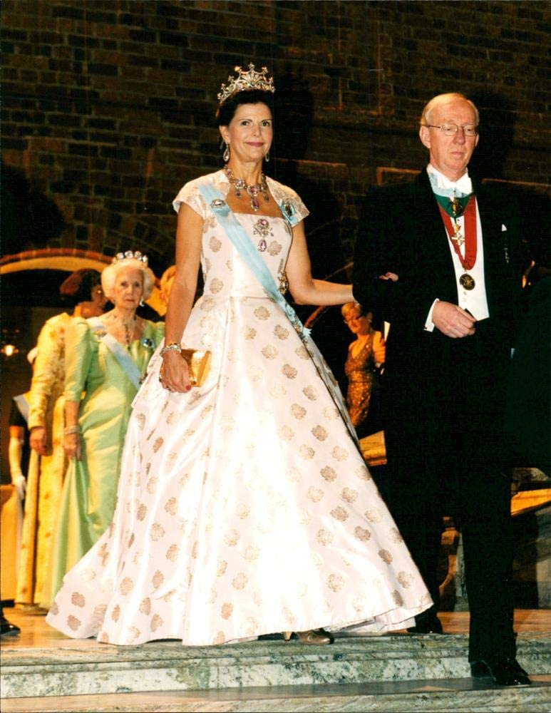 Las Vegas Mall Vintage photo At the price of Queen Silvia Escorted by to th Samuelsson Bengt
