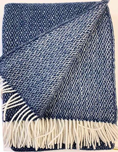 Plaids & Co Lange Wolldecke 'Brita' mit feinem Zopfmuster aus 100% Reiner Schurwolle Ökotex 100 Klasse 1, Kuscheldecke, Wollplaid, warme Decke, Überwurf (Navy-Creme, 140 x 220 cm)