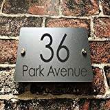 Señal de dirección adaptada a las necesidades del cliente acrílico moderno exterior de la calle de la puerta en casa.