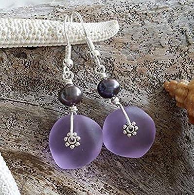 Fait à la main à Hawaii, « couleur magique Changement » boucles d'oreilles violettes en verre de mer, perle pourpre d'eau douce, « Février Birthstone »