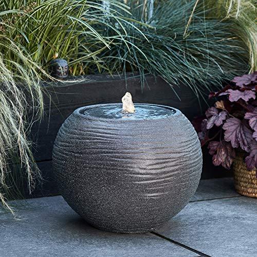 Lights4fun Beleuchteter Gartenbrunnen Kugel Brunnen strombetrieben grau 36cm hoch