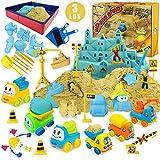 Magic Sand Kit - Spielsand Baukasten 3lbs Sand mit 2 Farben, 6 Mini Baufahrzeuge, Bauspielzeug und Schilder, Tierform, Modellierwerkzeuge, Faltbarer Sandkasten mit sauberen Set für Jungen Mädchen