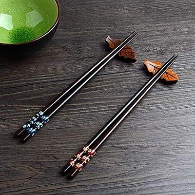 Chopsticks Japanese Natural Wood Chopsticks made of environmentally friendly Reusable Classic Style Chopsticks 2 Pairs Gift Set (wood)