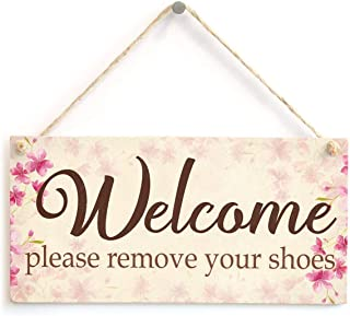 Puernash Welcome Please Remove Your Shoes Floral Shabby Chic Welcoming Xmas Wood Signs Design Hanging Gift Decor for Home Coffee House Bar 5 x 10 Inch