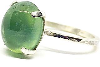 Bellissimo anello con Prehnite brillante e trasparente in cabochon di 8,75 carati e dimensioni (14 mm x 11 mm). Anello in ...