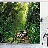 ABAKUHAUS Natur Duschvorhang, Idyllische Wald Gestaltung, Waschbar & Leicht zu pflegen mit 12 Haken Hochwertiger Druck Farbfest Langhaltig, 175 x 200 cm, Emerald Hunter Green