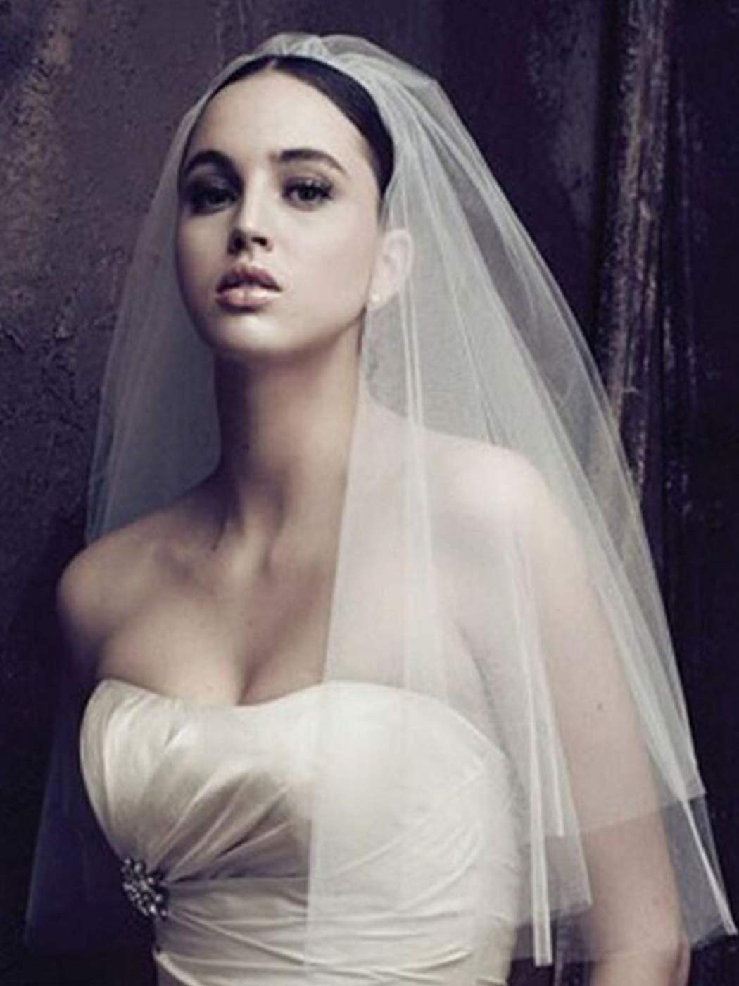 Clairy Bride Wedding Veil 2 Tier Veils Bridal Tulle Headpieces Short Hair Jewelry Veils with Comb (Ivory)