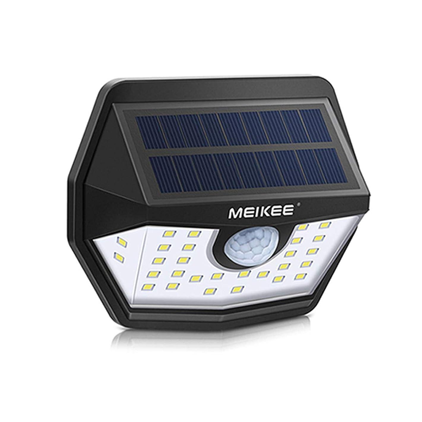 心理的冷蔵する会社MEIKEE ソーラー式センサーライト 屋外 ブラケットライト1800mAH 30LED 6000K IP65 防犯ライト 人感センサー 200°照明角度 450lm 太陽光発電 庭 玄関 駐車場 通路 ガーデンライト 大活躍 (昼白色1個セット)