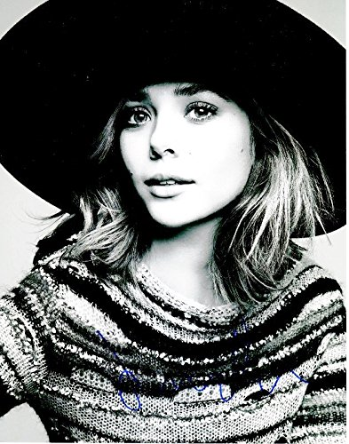 Elizabeth Olsen Signed - Autographed Sexy Actress 11x14 inch Photo