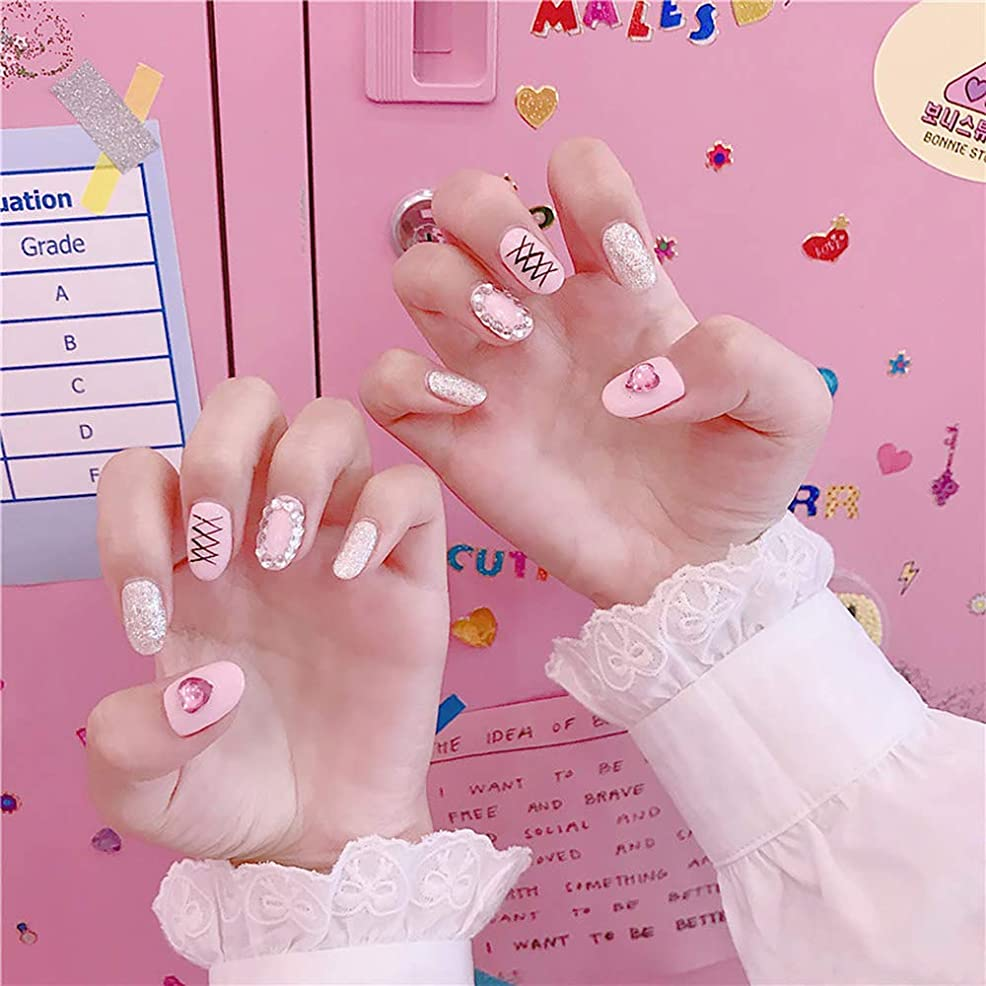 批評昼間パイルXUTXZKA ピンク色の偽の釘女性ファッション偽ネイルネイルアートのヒント
