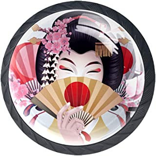 Linda chica asiática con cajón de la puerta del ventilador dorado tira de la manija de la decoración de los muebles para e...