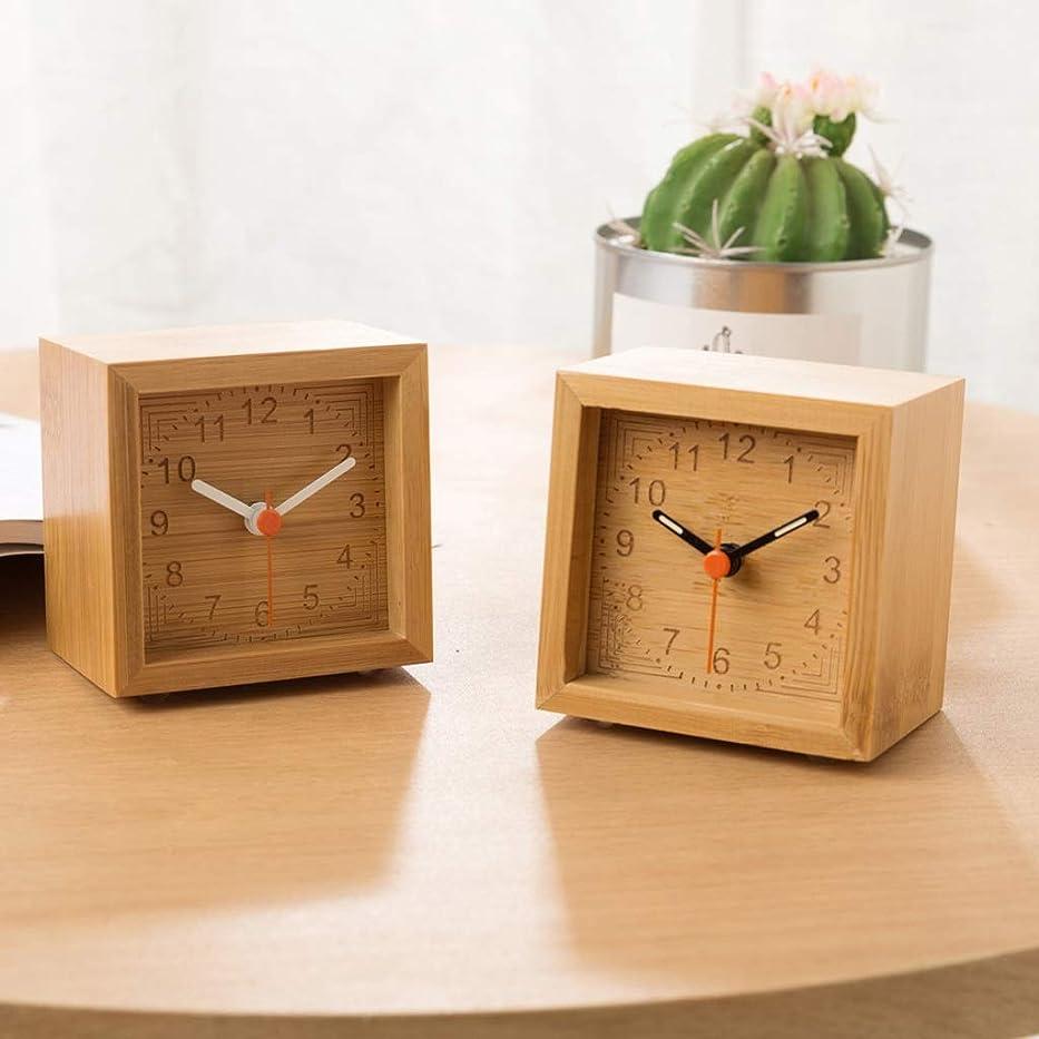 布ハブ雑多な無垢材の目覚まし時計の正方形の竹の木製のデスククロッククリエイティブ2019新しい木材発光サイレント学生の目覚まし時計