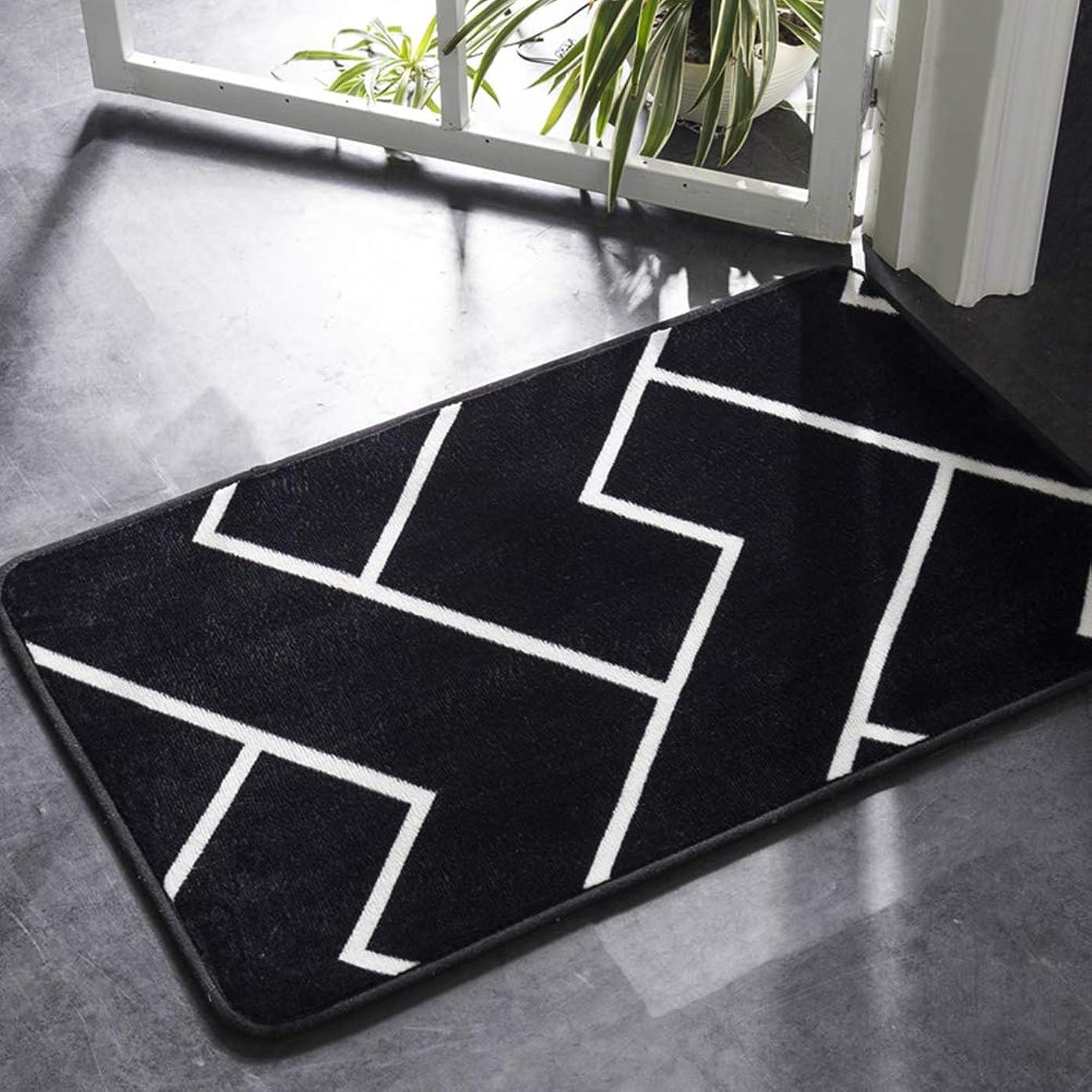 糸予定破壊的なACHICOO カーペットマット 茶テーブル ドア ベッドサイド 簡単 黒い白い色 幾何学模様 柔らかい 滑り止め 黒と白のストリップ 40×60cm