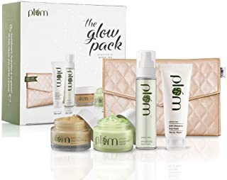 Plum Green Tea Glow Pack Gift Set | At-Home Facial Kit for Oily Skin | Instant Glow | Set of 4 : Face Wash, Face Mask, Nig...