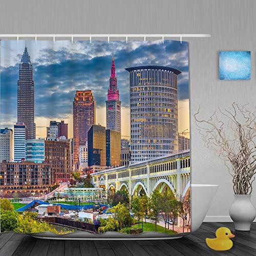 AMIGGOO Cortina de Ducha,Cleveland Ohio, EE.UU. Horizonte del Centro de la Ciudad en el río Cuyahoga en el crepúsculo,Cortina de baño de poliéster Lavable con 12 Ganchos de plástico 180x180cm