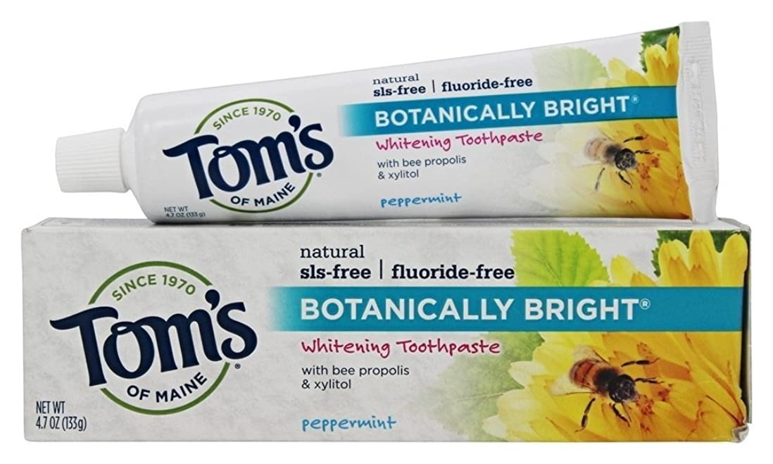 比較破産アブストラクトBotanically Bright Whitening Toothpaste Peppermint - 4.7 oz - Case of 6 by Tom's of Maine