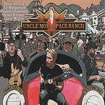 Uncle Moe's Space Ranch: Moe's Town