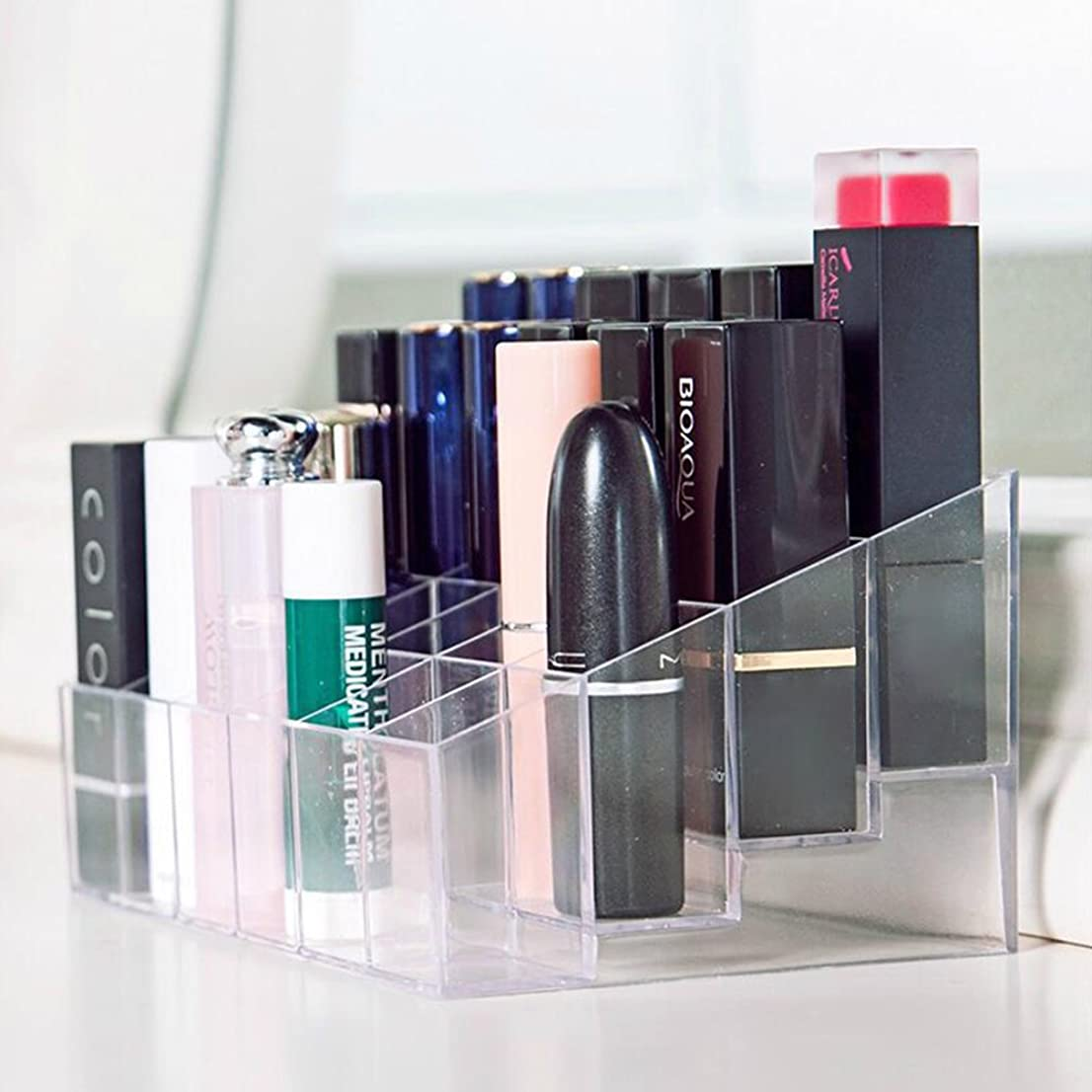 罰画家治療口紅ホルダー 透明プラスチック製 台形メイクアップ 化粧品ディスプレイスタンド リップスティック ホルダー 24仕切り