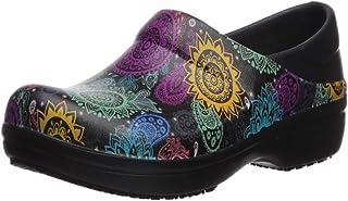 حذاء نيريا برو لي كلوغ للنساء من كروس | مقاوم للانزلاق للعمل والتمريض