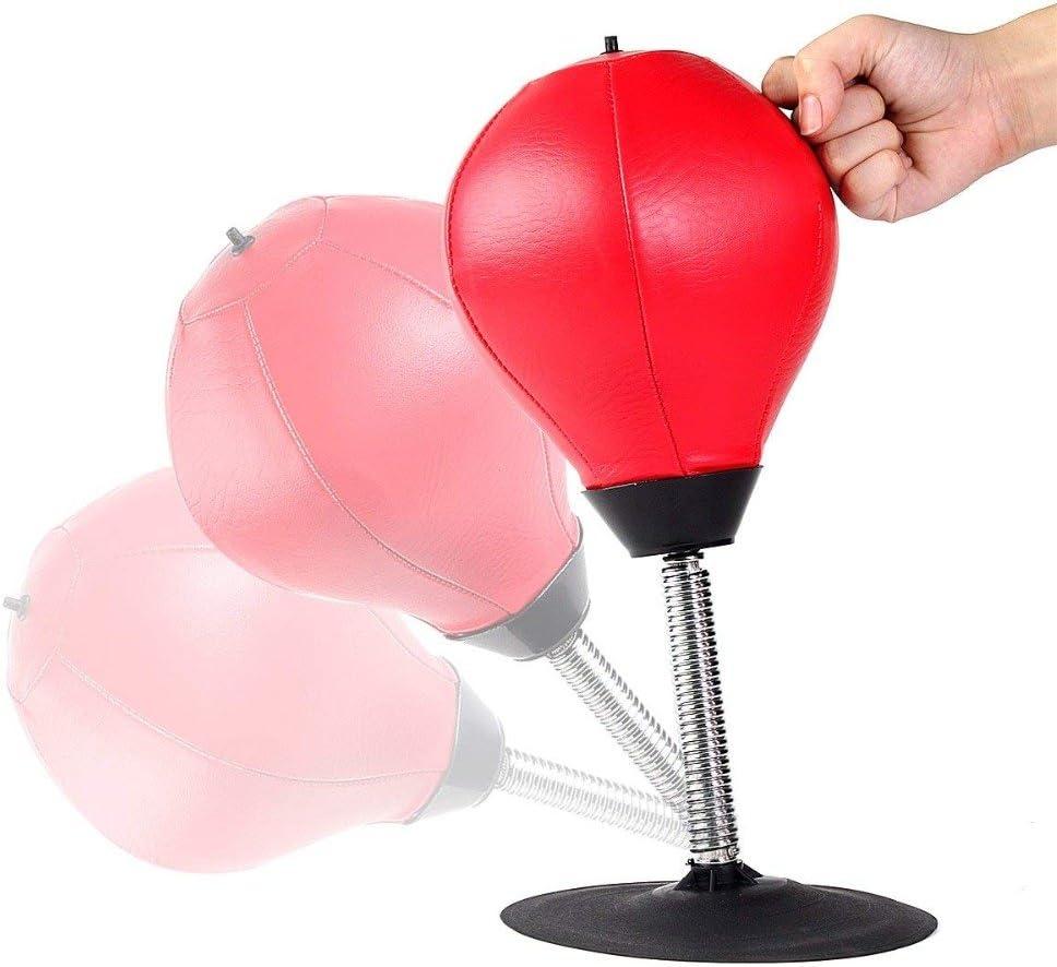 シンプルなパンチングボール。高さは118cm~142cmまで調節可能で、背が低い人でも使いやすい。ベースに砂か水を入れればすぐに使えるため、気軽に始めたい人に最適なアイテムだ。