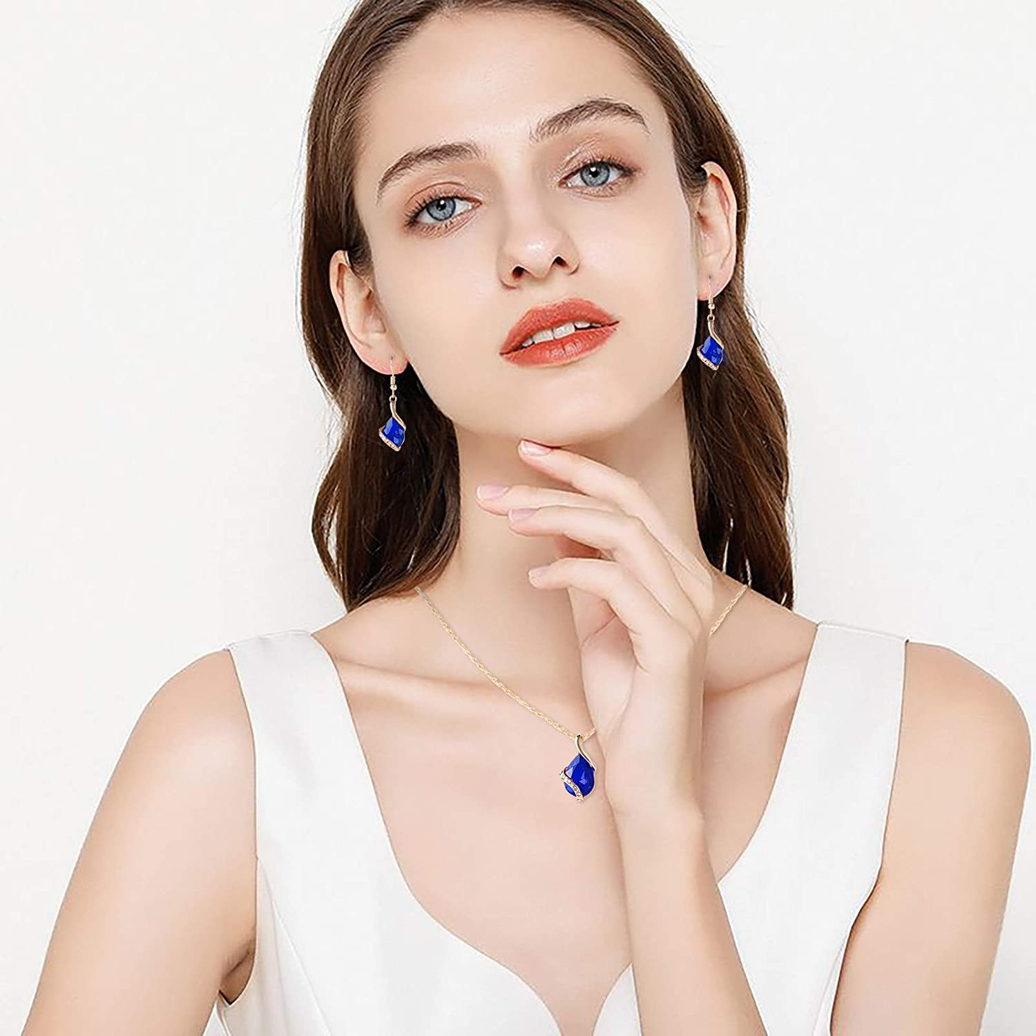 Women's Necklace Earrings Set, Simple Temperament Clavicle Chain Love Diamond Necklace Birthday Anniversary Gifts Jewelry for Women Wife Girlfriend Daughter Mom