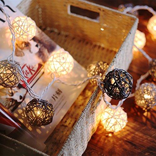 EchoSari 20er LED Rattan-Ball Lichterketten Deko Warmweiß Batteriebetrieben [ Rattan Ball's Diameter:5cm/2.04 in ] Ideal für Hochzeit, Weihnachten, Party, Heim-Dekoration - Grün
