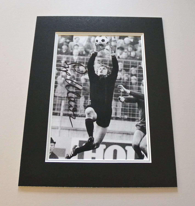 Sepp Maier Signed 16x12 Photo Autograph Display Germany Memorabilia + COA