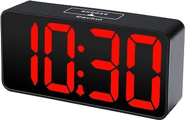 Eachui Réveil numérique à LED avec port de charge USB - Grand écran LCD - Alarme sonore - Luminosité et volume réglable -Snoo