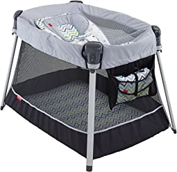 Fisher Price - Ultra-Lite Day & Night Play Yard