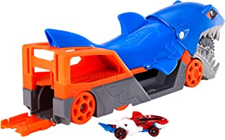 مجموعة العاب ناقلة على شكل القرش تشومب من هوت ويلز مع سيارة بمقياس 1:64 للاطفال من 4 الى 8 سنوات GVG36