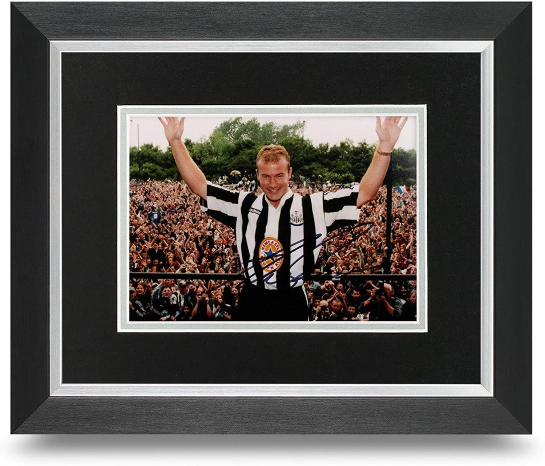 Alan Shearer Signed 10x8 Photo Framed Newcastle United Memorabilia Autograph COA