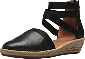 e2c06748ded Gentle Souls by Kenneth Cole Noa at Zappos.com