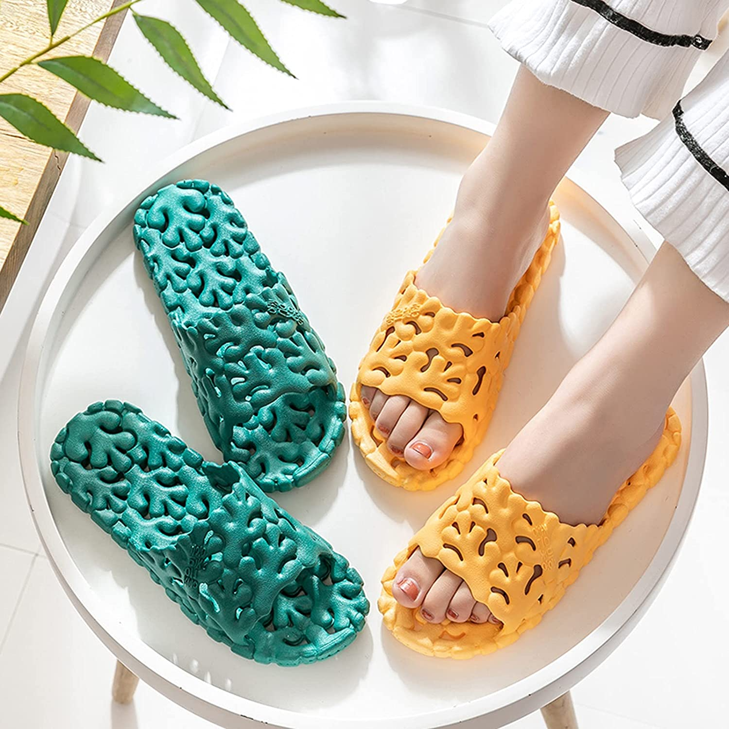 YAYA2021-SHOP Flip Flop Indoor Outdoor Home Beach Non Slip Quick Drying Sandals Slippers with Drainage Holes, Soft Sole Open Toe House Gym Slippers for Women Bathroom Shower Slippers Slippers