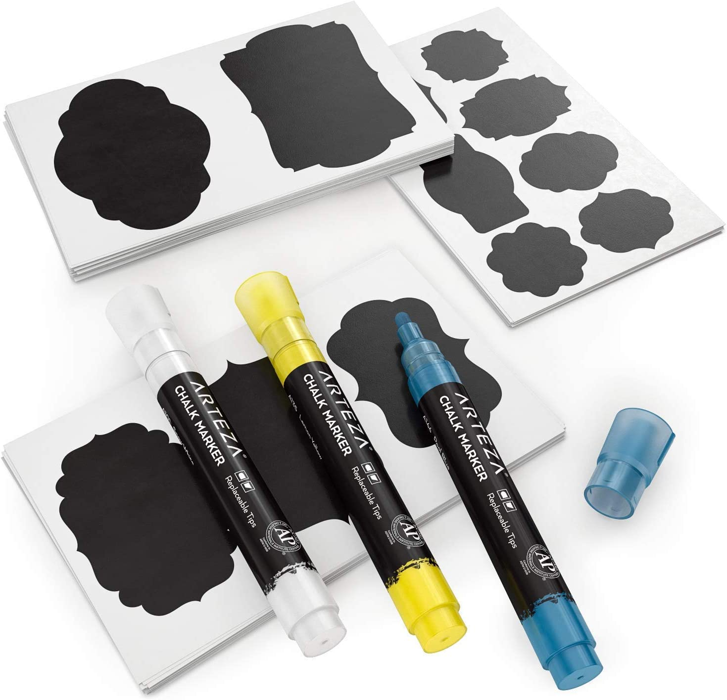 Arteza 150 Etiquetas adhesivas de pizarra + 3 rotuladores de tiza líquida de colores, juego de pegatinas de pizarra extraíbles e impermeables para tarros de cocina y manualidades