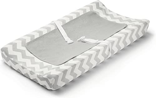 Summer Infant Basic Changing Essentials Kit with Changing Pad, Cover, and Waterproof Liner, Chevron (3 Piece Set)