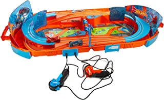 Hot Wheels Track Pack – Slot Track Carrying Case – Includes Two 1:64 Cars with 5.5 Feet of Track