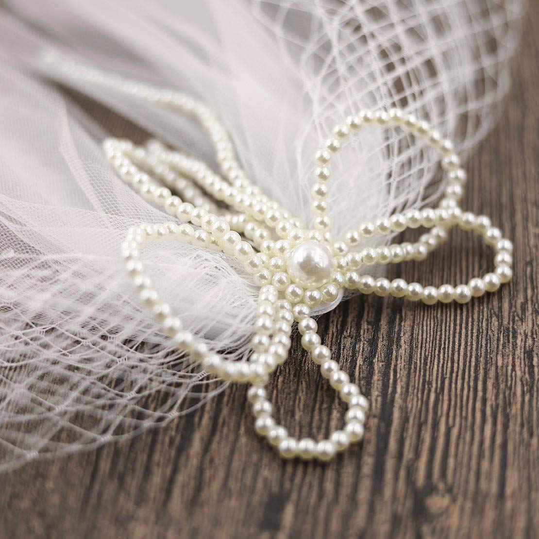Fangsen Wedding Bridal Pearl Flower Mesh Veil with Comb 1 Tier Bridal Fingertip veil ( (2T Pearl hair accessories)