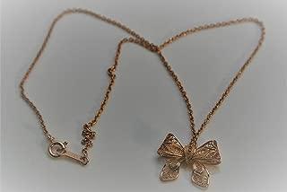 インドネシア銀線職人の技 リボンのネックレス、色ビンクゴールド、銀に18金をめっきしました(アレルギーの出やすいニッケルやスズを含みません)、15×20mm、チェーン(33cm) 付
