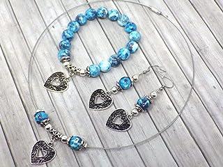 Parure di gioielli da donna in perle di giada colorate in blu e bianco con pendente in filigrana a forma di cuore