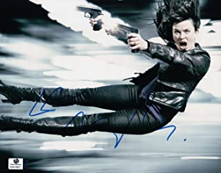 Eve Myles Signed Autographed 8X10 Photo Torchwood Double Pistols in Air GV816627