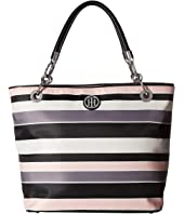 Tommy Hilfiger TH Signature - Zip Tote - Victor Stripe Nylon