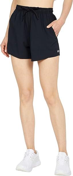 VA Essential Yogger Shorts