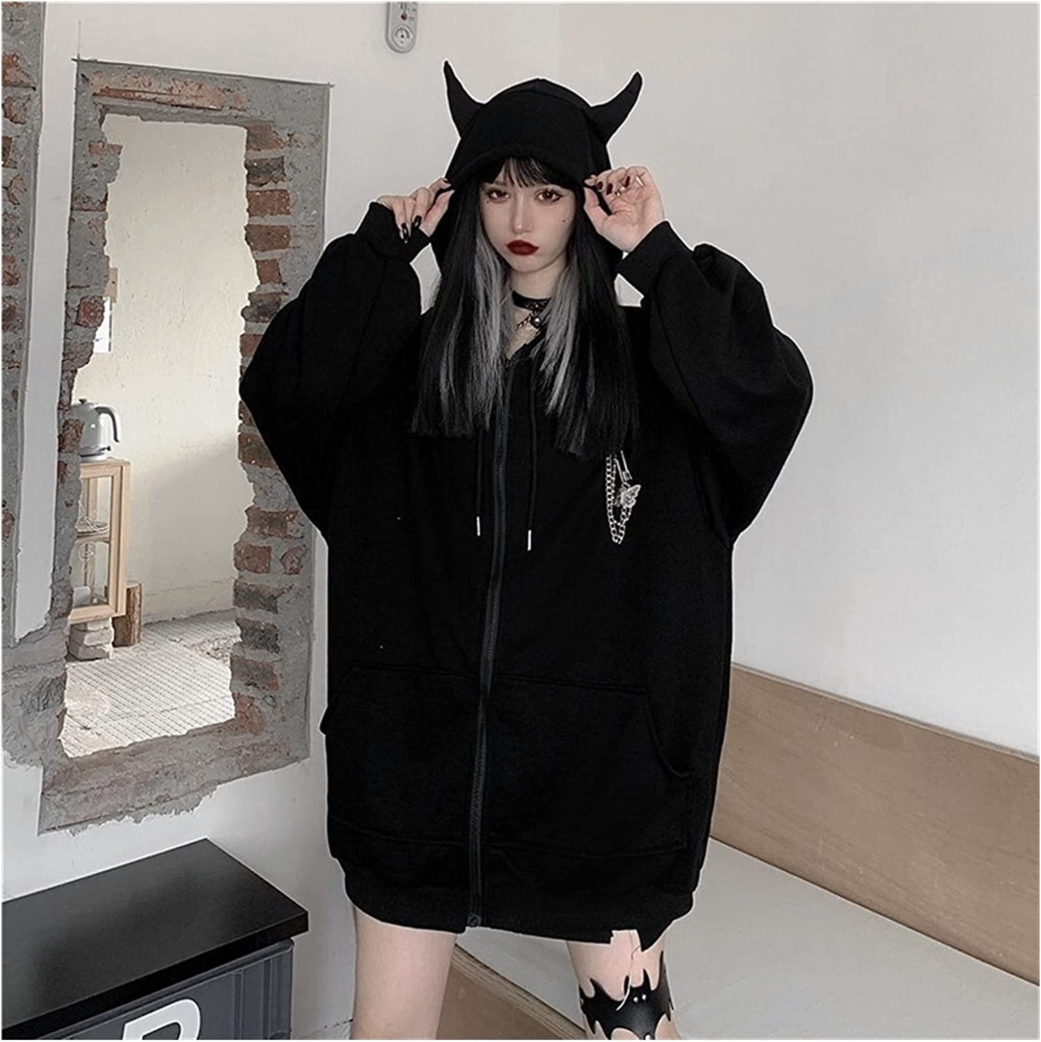 Yuncheng Women's Devil Horn versized Harajuku Hoodies with Butterfly Brooch Chain Long Sleeve Sweatshirt Pullover Tops (Color : Black, Size : One Size)