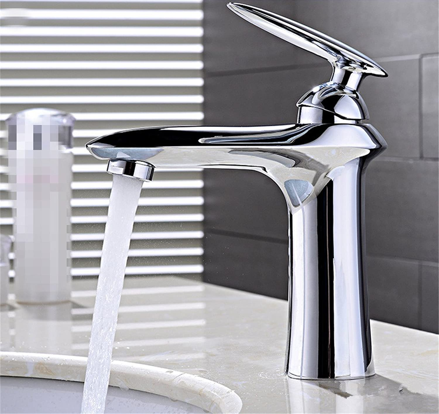 Hlluya Professional Sink Mixer Tap Kitchen Faucet The copper cold water faucets bathroom vanity sink basin single hole Faucet