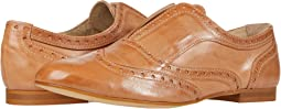 Laceless Oxford Wing Tip
