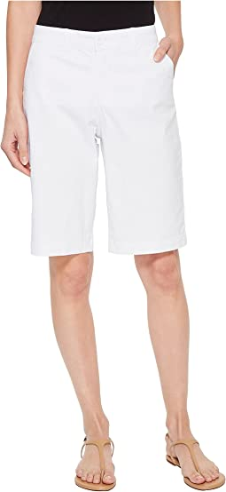Bermuda Shorts in Optic White