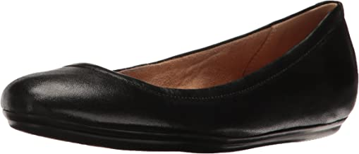 naturalizer brittany flats black